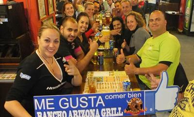 Restaurangbesökare på Ranch Arizona Grill Teneriffa